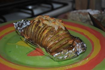 Картофель в фольге запеченный в духовке