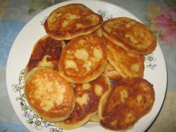 Круассаны из слоеного теста с колбасой и сыром рецепт