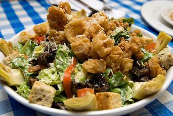 Рецепт салата цезарь с курицей и сухариками