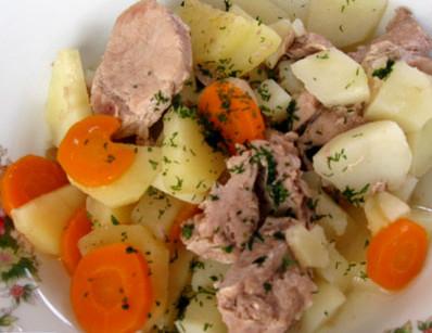 Тушёное мясо с картошкой