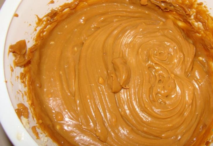 Așa se face cea mai ușoară cremă de tort! Este DELICIOASĂ!