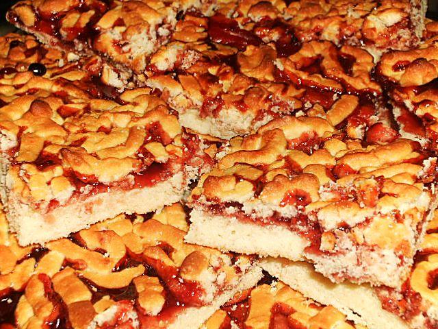 Пирог в духовке с вареньем