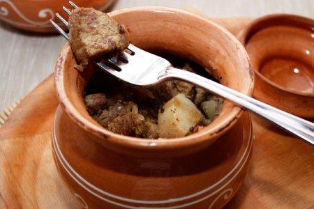 Мясо в горшочках рецепты
