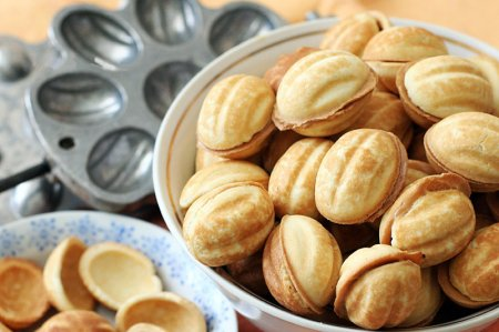 Рецепт орешки с вареной сгущенкой