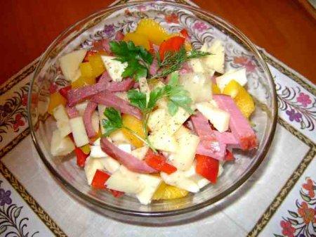 С ананасом салат