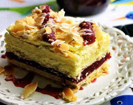 Торт слоеный