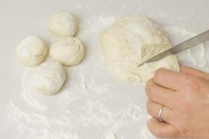 Тесто для чебуреков рецепт