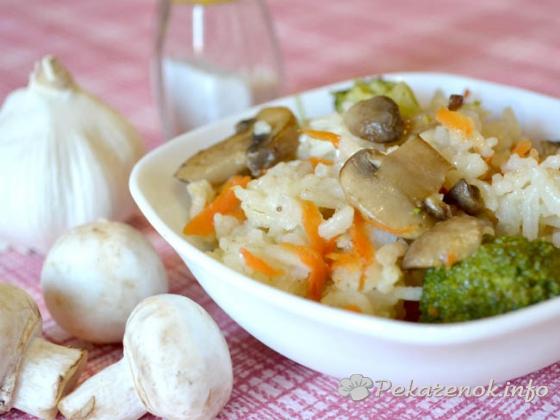 Рис с грибами и брокколи в мультиварке