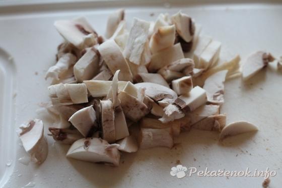 Грибной жульен в «кокотницах» из кабачков