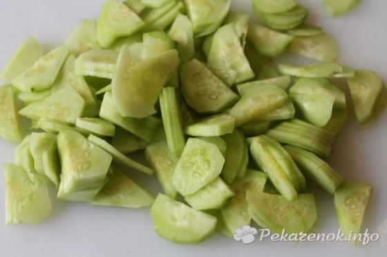 Салат с крабовыми палочками и капустой кольраби
