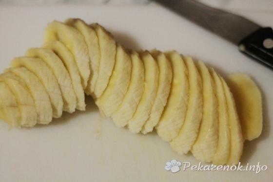 Банановый торт со сливками