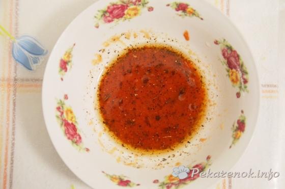 Салат с томатом, картофелем и оливками