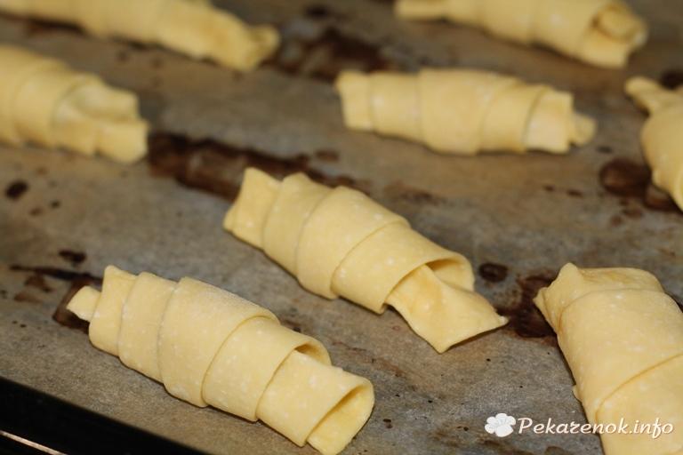 Рогалики с вареной сгущенкой рецепт с фото