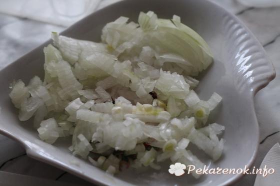 Салат с маринованной селедкой