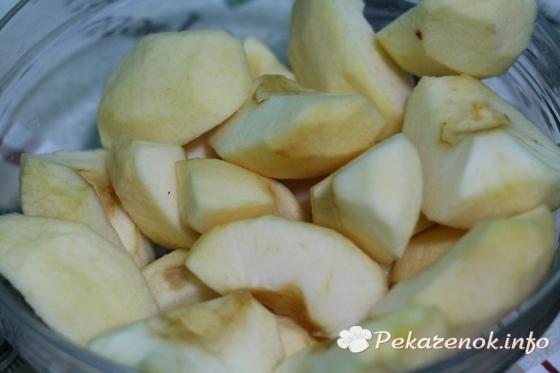 Рогалики с яблоками из готового дрожжевого теста