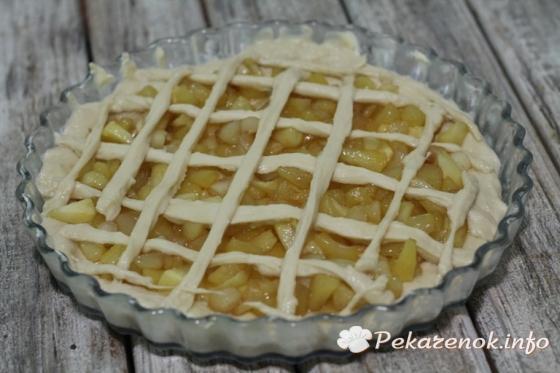 Яблочный пирог из готового дрожжевого теста